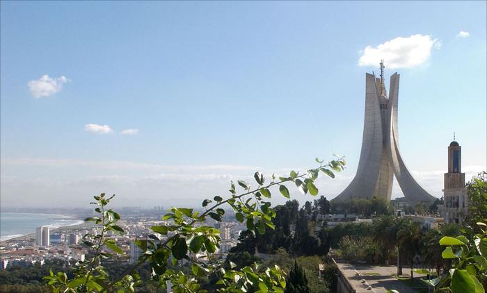 Momunento Algeria